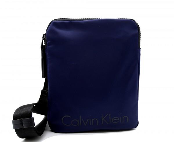 CALVIN KLEIN - Blithe Flat Crossover Umhängetasche Blau